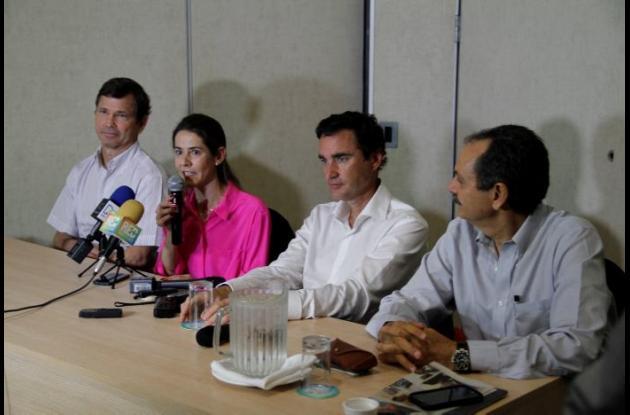 Préstamo de 52 toneladas de papel periódico a periódicos venezolanos