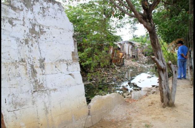 Muro de contención caño Santa Clara-Ceballos