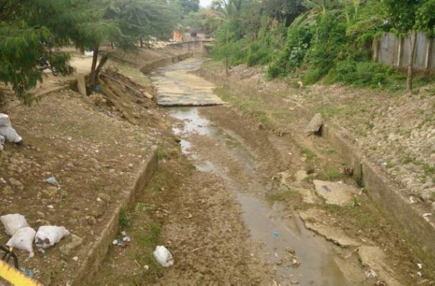 La comunidad se comprometió a mantener los arroyos y canales limpios con el fin de evitar inundaciones y enfermedades.