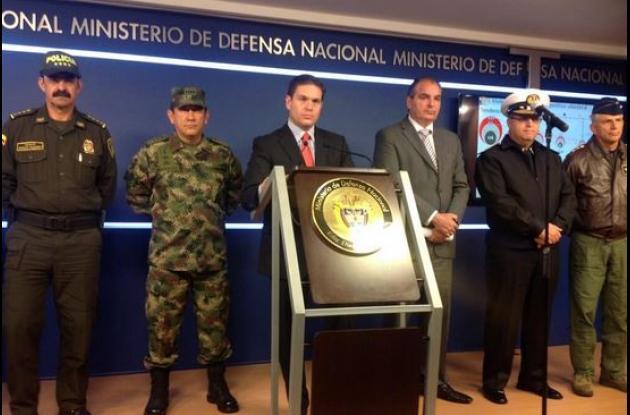 El anuncio fue realizado en rueda de prensa por el ministro de Defensa, Juan Carlos Pinzón.