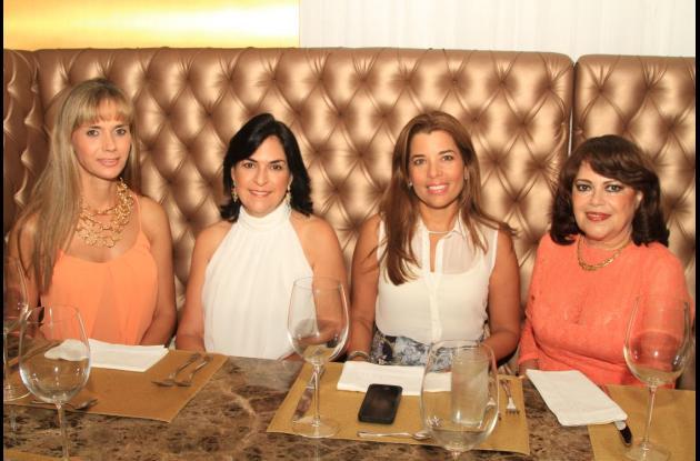 Diana Piñeres de Camacho, Marta Luz Moreno, Isabel Villarreal y Flor de España.