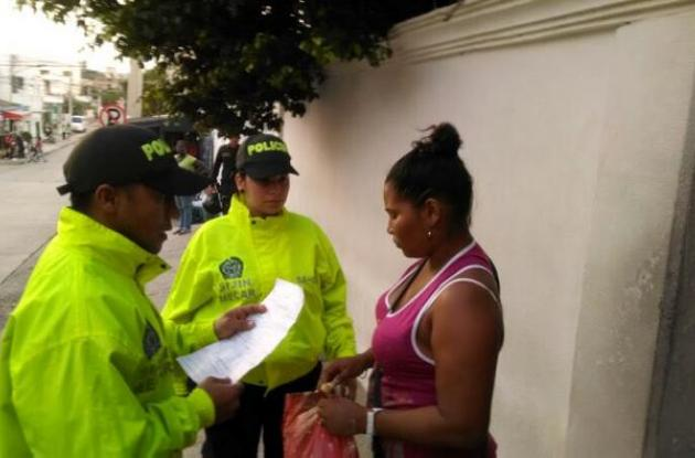 Josefa Cardona, capturada por crimen de embarazada Kellys Zapateiro junto a estación de Policía en Manzanillo del Mar.