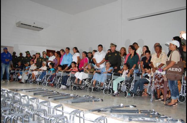 Entrega de ayudas a personas en condición de discapacidad en el Atlántico.