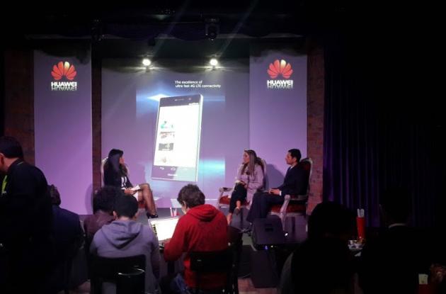 Conversatorio sobre el Smartphone Huawei Ascend P7