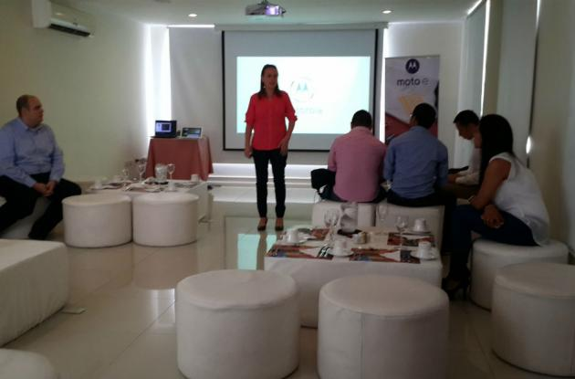 Carolina Prieto, gerente general de Motorola en Colombia en el evento de lanzamiento.