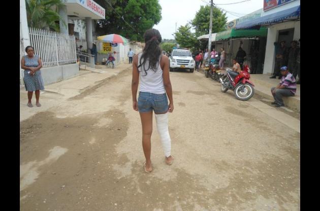 Una de las niñas, ante los continuos desmayos, tuvo una fractura en una de sus rodillas.