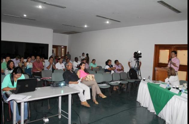 Asistentes al consejo de política social presidido por el gobernardor Alejandro Lyons Muskus.