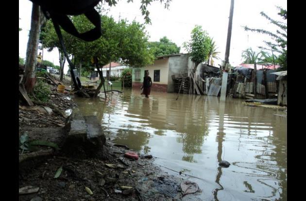 Los fuertes aguaceros han inundado distintos barrios de Cereté.