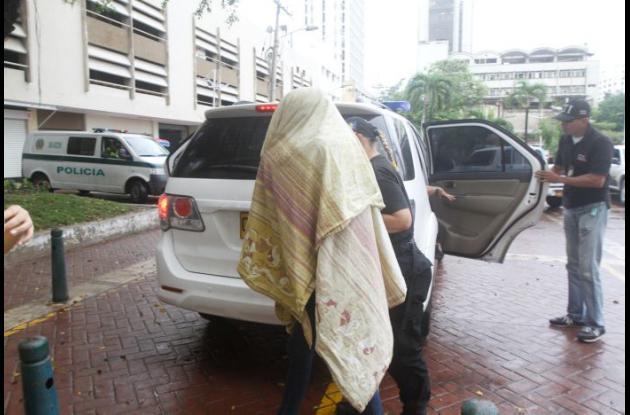 Kelly Suárez ingresando al Complejo Judicial de Cartagena. proxenetismo reina