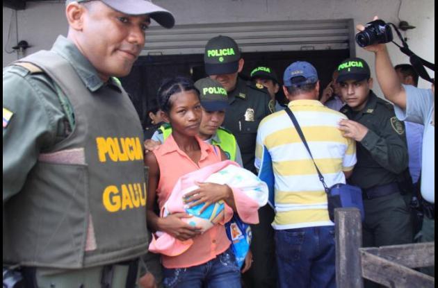 Milagros, como bautizarán a la bebé, fue raptada el miércoles al mediodía y ayer en la mañana fue rescatada por el Gaula de la Policía Metropolitana de Cartagena. La hallaron en una vivienda en el barrio Líbano, donde hallaron a su presunta secuestradora.