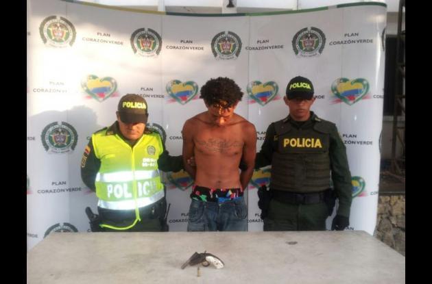 Estibenson Catalán Peña, capturado y asegurado por porte ilegal de arma de fuego.