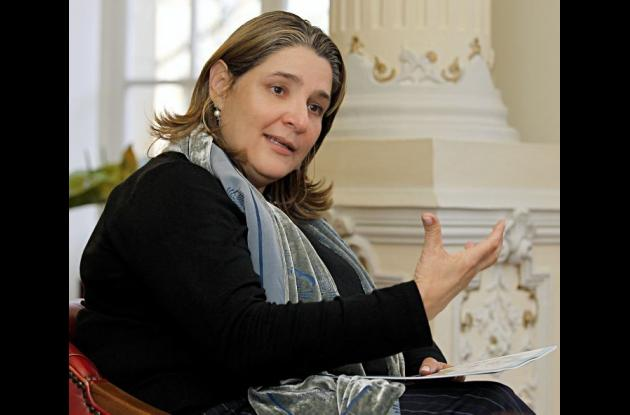 Mariana Garcés Córdoba es una abogada y política colombiana. Estudió derecho en la Universidad de los Andes en Bogotá y tiene una especialización en Mercadeo y Negocios Internacionales de la Universidad Icesi de Cali.