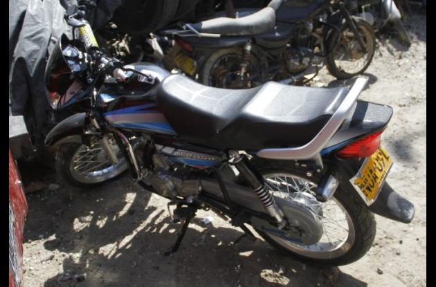 Esta es la moto que manejaba Cantillo Torres cuando halló la muerte en un accidente en San Francisco. Chocó con otra moto.