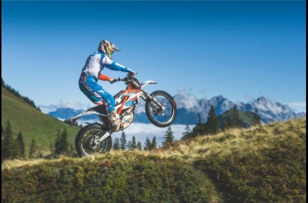 Moto KTM Freeride.