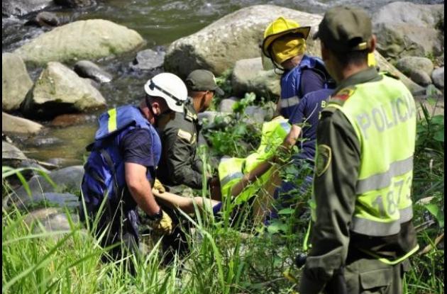 Rescate de dos cuerpos de menores ahogados en Pereira