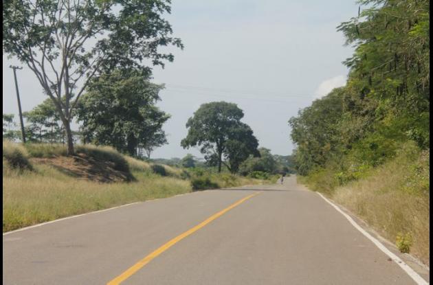 Vía Las Piedras, Arjona. Allí murió en accidente Henry Montesino, mototaxista.