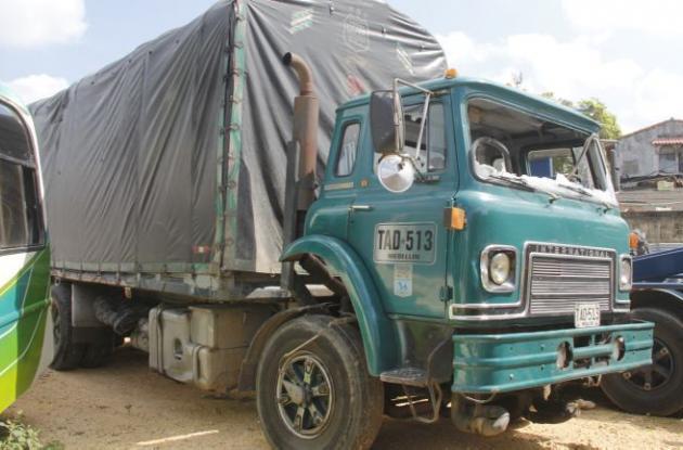 Camión que arrolló y mató al joven José Cantillo en vía Circunvalar, frente a Villa Grande de Indias.