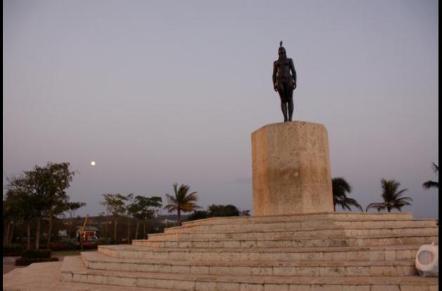 Monumento a la India Catalina, reubicado en el sector de Puerto Duro.