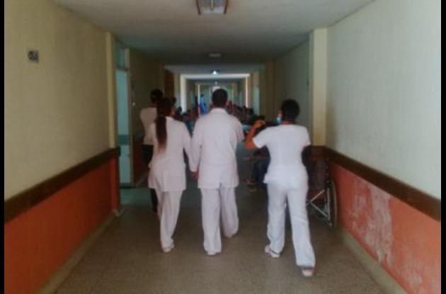 Centros asistenciales atienden en promedio a 700 pacientes diarios con chikungunya.