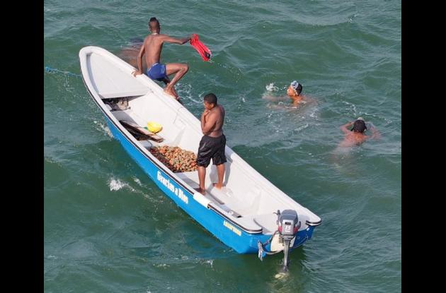 Pescadores en la bahía