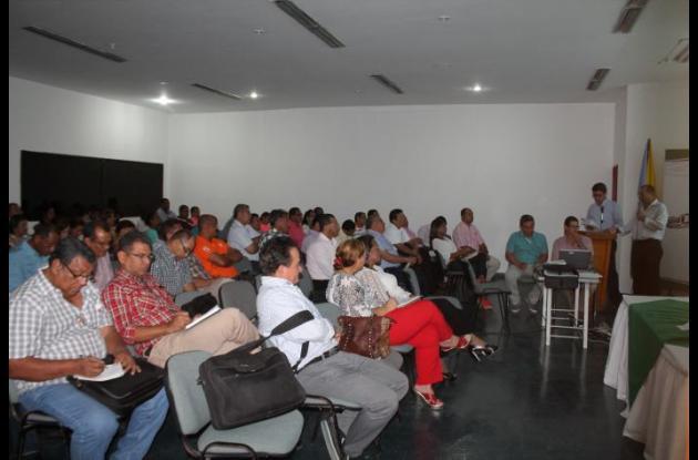 Secretarios de Educación analizan tema de malversación de fondos.