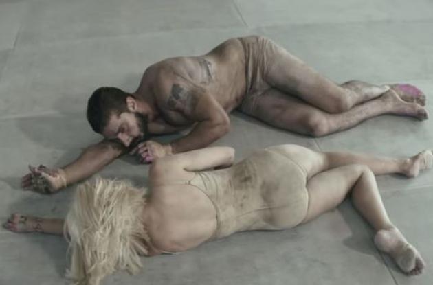 Ambos protagonizan el video de la canción Elastic Heart.