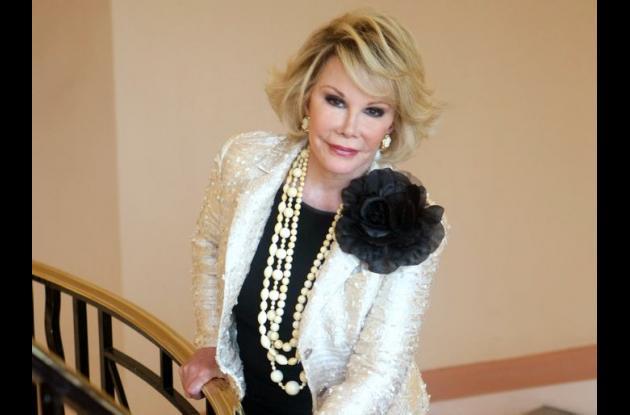 La estadounidense Joan Rivers, quien falleció el año pasado tampoco fue tenida en cuenta durante el homenaje de la gala, lo que despertó comentarios en contra en las redes sociales.