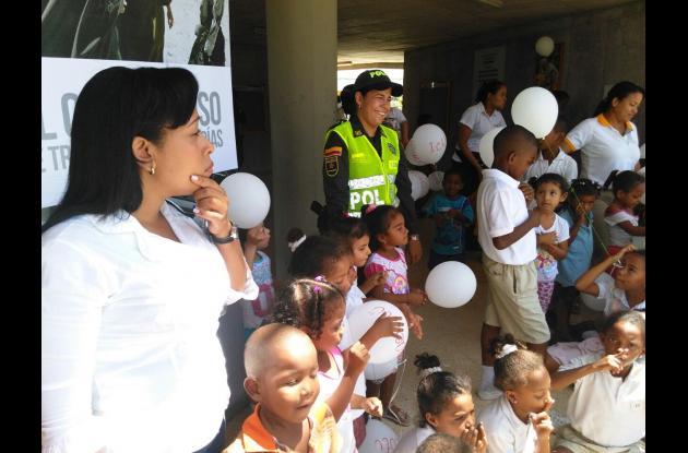 'Juntos por los niños' en el colegio de la Fundación Pies Descalzos.