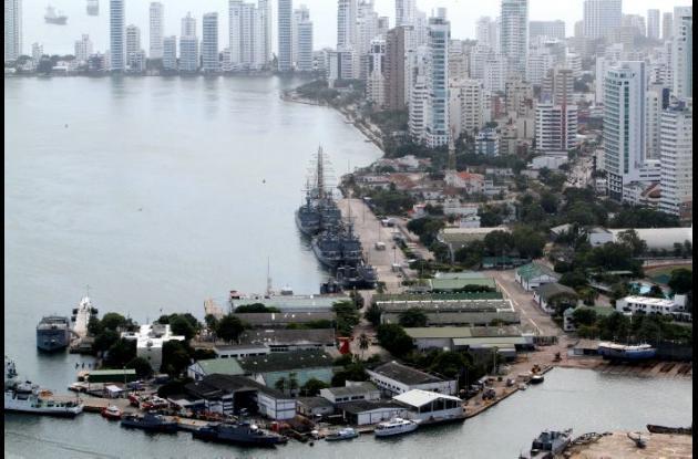 El predio de la Base Naval en Bocagrande, tendría las dimensiones aproximadas de un Castillogrande y medio, según explicó el alcalde Dionisio Vélez.