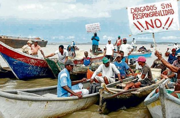 Protesta pescadores Pasacaballos dragado Canal del Dique Cormagdalena