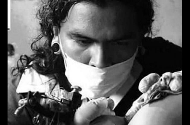 Andrys Macías, tatuador asesinado por sicarios en San José de Los Campanos.