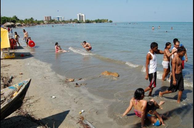 Las playas del Golfo de Morrosquillo empiezan a recibir a los turistas en esta temporada de Semana Santa.