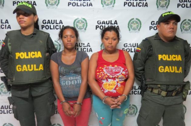 Sandra Mullet y Glenis Arias, mamá y tía de la niña de 7 años que desapareció en Mompox.