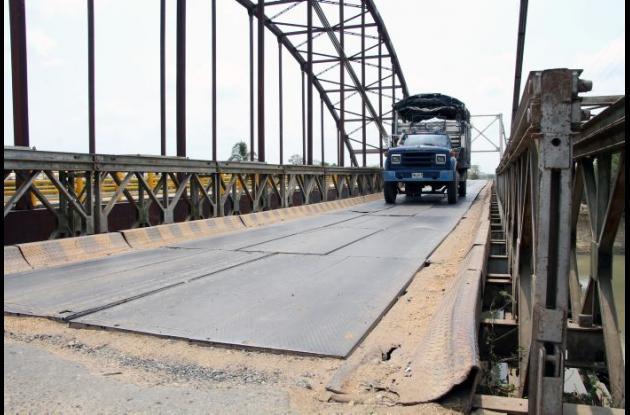 Actualmente, los habitantes del San Jorge y La Mojana utilizan el puente militar instalado desde hace más de 10 años.