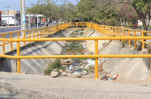 Reparación del canal del Nuevo Bosque.