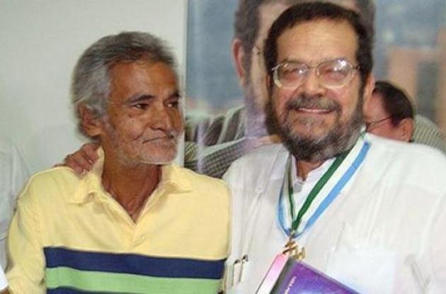Gustavo Díaz y su entrañable amigo David Sánchez Juliao, ambos fallecidos.