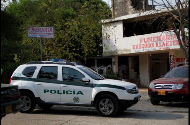 El cadáver de Rojas está en una funeraria en Zaragocilla, que es custodiada por la Policía.