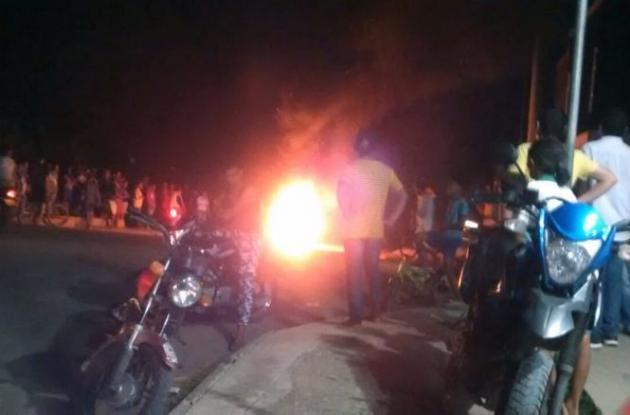 Protesta por fallas en servicio de energía en Sucre
