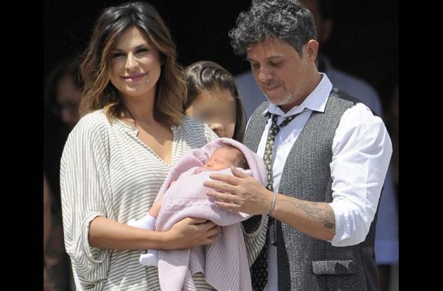 Raquel Perera, Alejandro Sanz y su pequeño hijo Dylan.