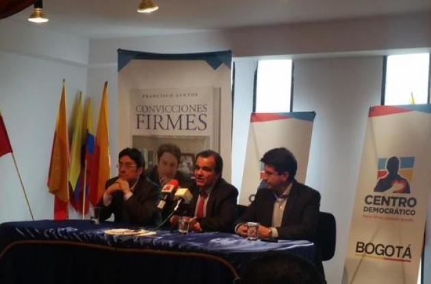 El director del Centro Democrático, Oscar Iván Zuluaga y el candidato a la Alcaldía de Bogotá, Francisco Santos, presentaron a Diego Molano