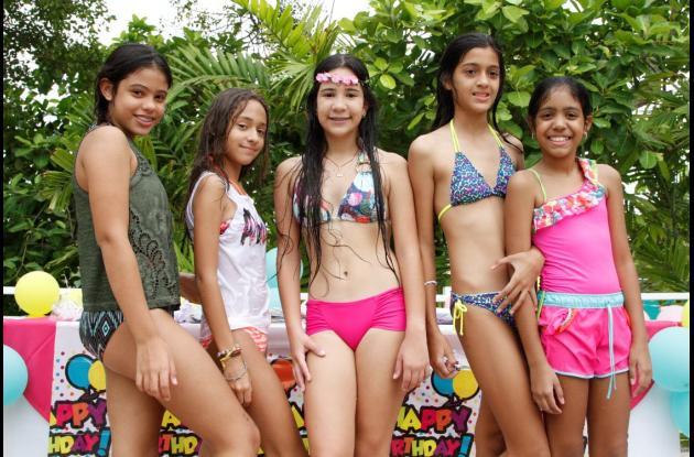 Juliana Solano, Fiorella Viana; la cumplimentada, Silvana Noriega Saravia; Sara Ricardo y Cristina Ávila.