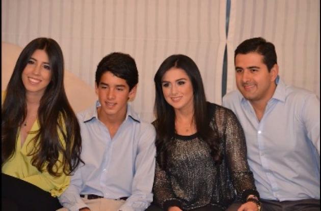 Valeria Vega, Juan Pablo Vega, Juliana Vega y Gastón Vega.