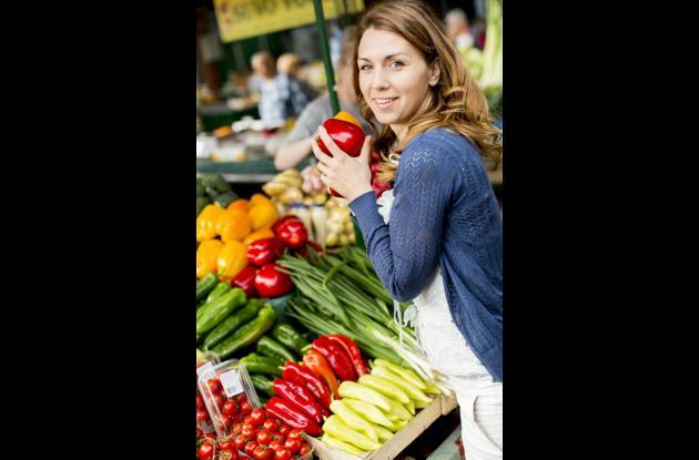 A la hora de comprar los alimentos seleccione los más frescos y de mejor color, así evitara que se dañen rápidamente.