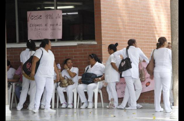 Las enfermeras protestan en el Hospital Universitario de Sincelejo.