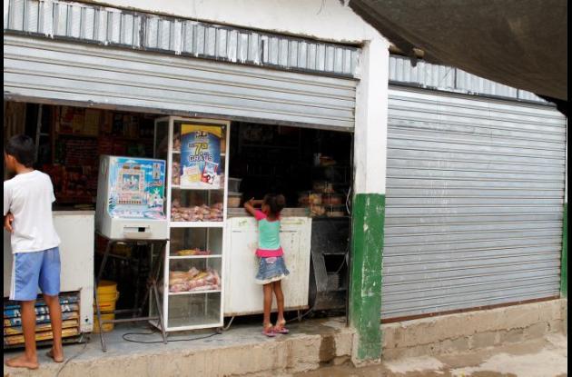 Niño de 10 años se electrocutó al pisar cable pelado de una nevera. El hecho ocurrió en una tienda del sector Los Olivos, en los Cerros de Albornoz.