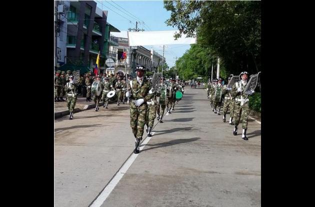 Desfile de independencia en Montería