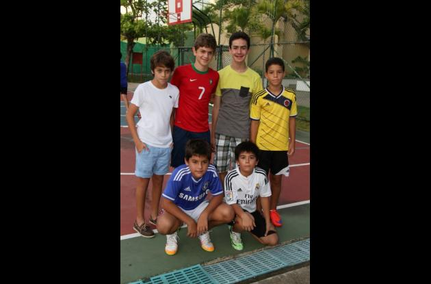 Arriba: Juan Sebastián López, Ricardo Navarro, Alejandro Díaz, Alejandro Eljach; abajo: Sebastián Calero y  Nicolás Paternina.