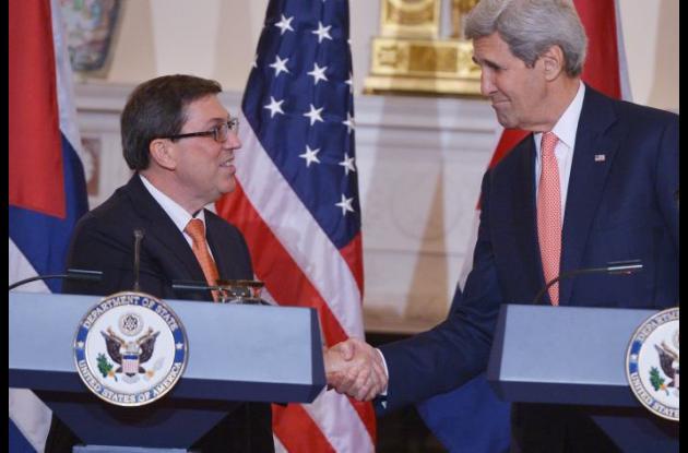 Bruno Rodríguez y John Kerry.