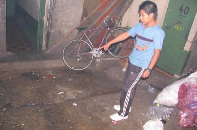 El incidente se presentó en el inquilinato donde viven los menores.