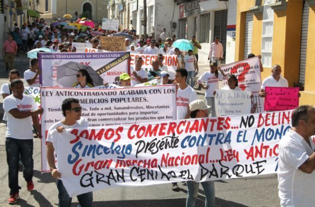 Los comerciantes sincelejanos durante la protesta pacifica pidieron garantías al Gobierno para su actividad comercial.